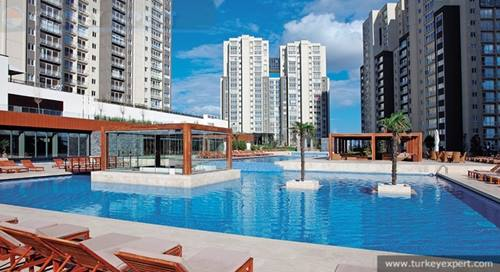 Choice of apartments in a prime residence of Istanbul 21 km from Ataturk airport