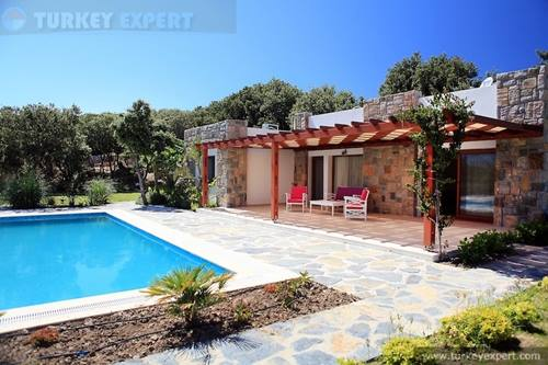 Stone bungalow with large garden and private swimming pool in Bodrum