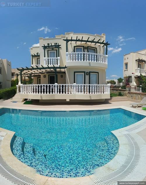 Private lake view and sea view villa in Bodrum near airport