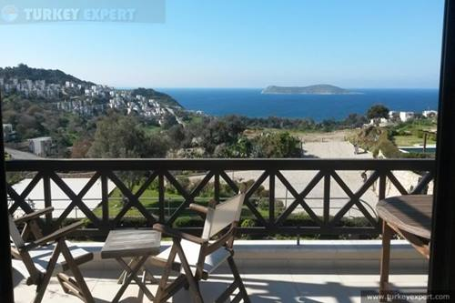 Holiday apartment for sale with panoramic sea views in Bodrum Gumusluk