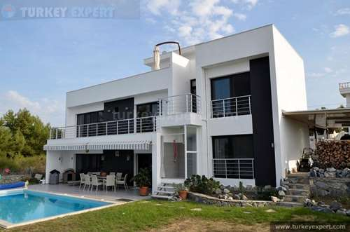 Detached, independent sea view villa with private garden and private pool in Kusadasi
