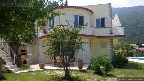 Detached, Mediterranean style villa with sea views in Kusadasi Guzelcamli