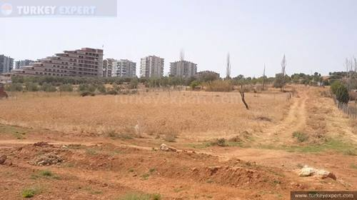 1000 m2 building land, right next to a school, in a developing area near Izmir, investment opportunity