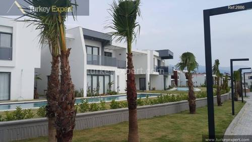 New investment project in Kusadasi comprising of apartments and commercials