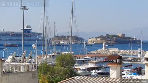 Duplex penthouse apartment right opposite Kusadasi Marina