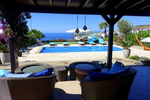 Beautiful villa in Bodrum Gundogan with sea views and private pool