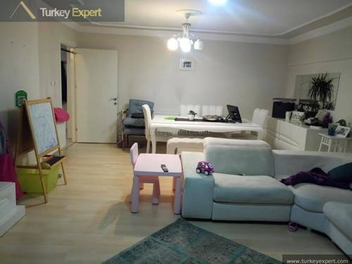 Residential apartment with sea views for sale in Izmir