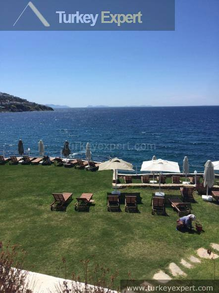Apartment on waterfront resort in Bodrum Yalikavak