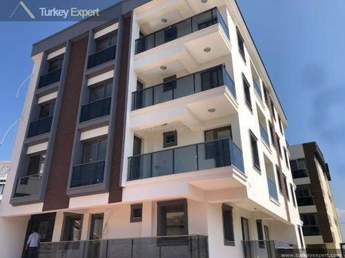 Investment apartments in Izmir Seyrek near university