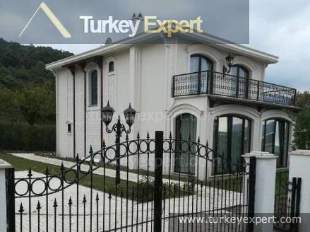Luxury completed villas in Sakarya with lake view close to Istanbul