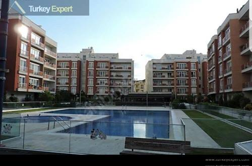 Two apartments combined on the 4th and 5th floors, on a complex with full services and swimming pool