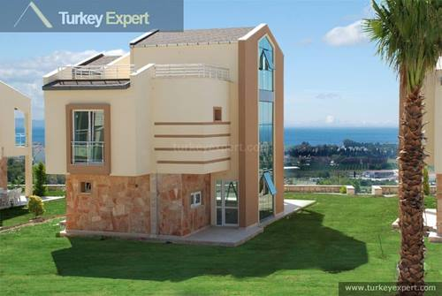 Sea view villas in Kusadasi near shopping mall