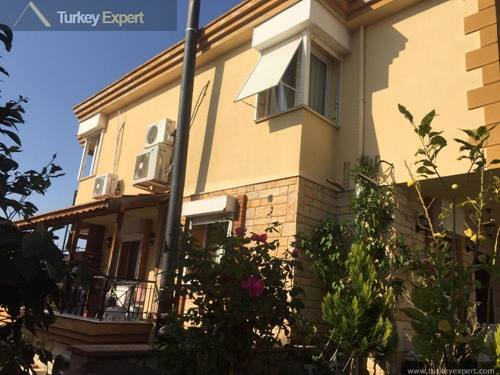 Large villa for sale in Kusadasi, 5 bedrooms and 2 living rooms