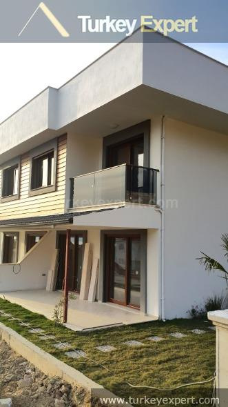 new sea view villas with2