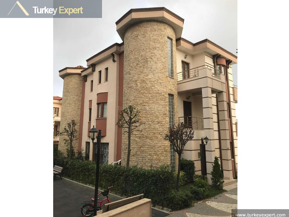 Luxury villa for sale on a well maintained complex in Istanbul