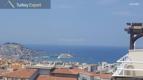 Sea view penthouse apartment for sale in Kusadasi