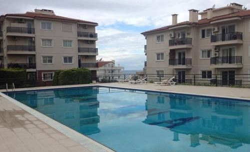 Large apartment with sea views in the marina area of Kusadasi