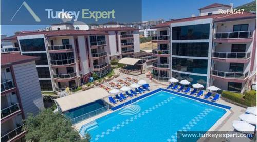 Furnished 2-bedroom apartment with sea views and pool in Kusadasi