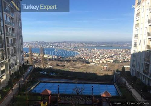 Duplex penthouse for sale in Istanbul with views and roof terrace, can be used as 2 separate apartments