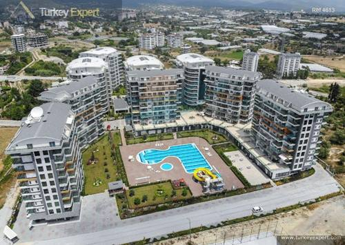 Completed Alanya Avsallar apartments with nice pool and water park