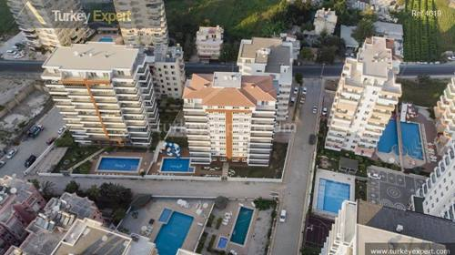 A single block with high standard apartments close to shopping centers in Mahmutlar Alanya