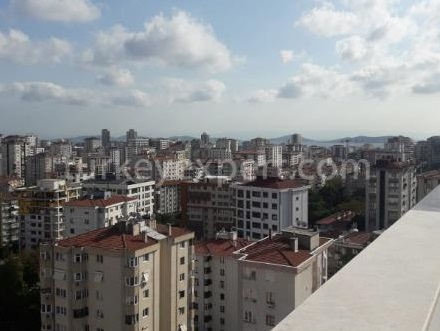 Easy access large family duplexes in Istanbul Kadikoy with huge terraces