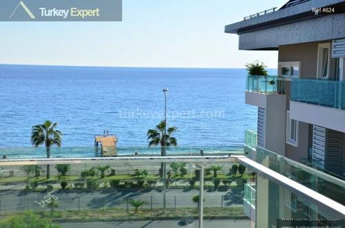 Beach apartments in Alanya with natural park mountains at the back
