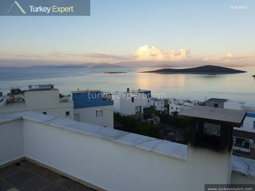 Sea view villa with garage in Bodrum Gundogan