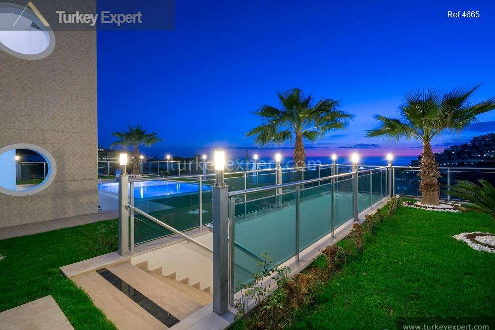 luxury villa for sale in10