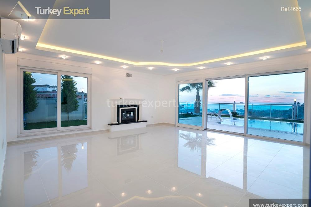 luxury villa for sale in17