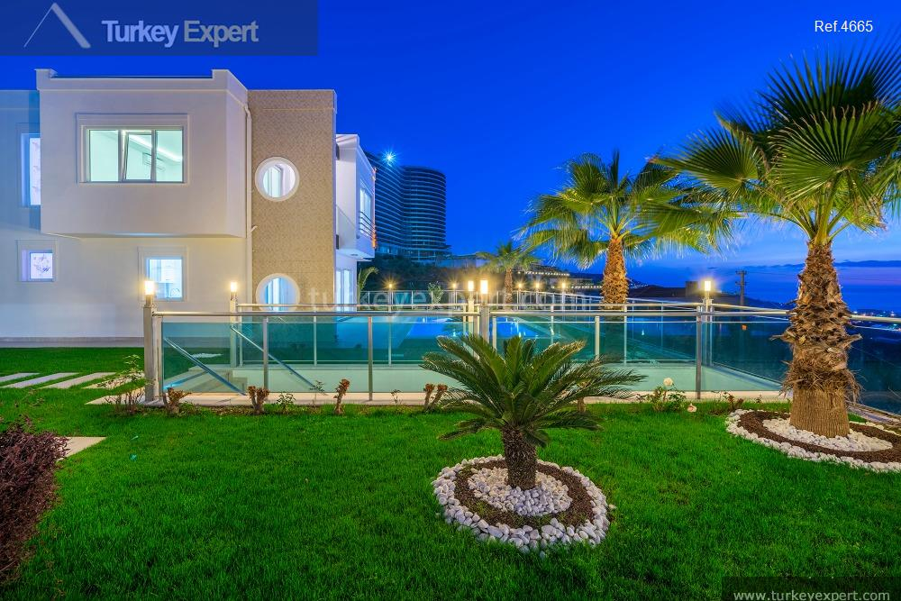 luxury villa for sale in9