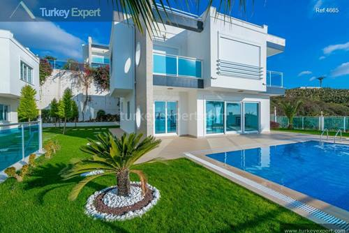 Luxury villa for sale in Alanya with private  pool and views