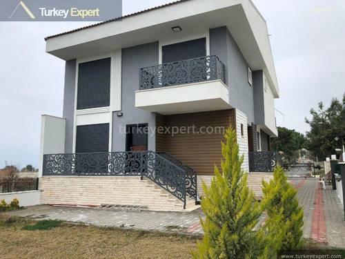 Independent 5-bedroom villa with sea views in Kusadasi Sogucak