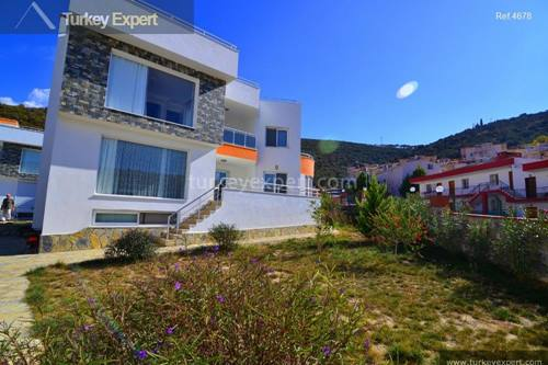 Spacious detached villa on small resort near Kusadasi center