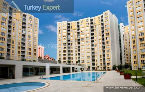 Akbati Shopping Mall area large Bahcesehir 3+1 apartment