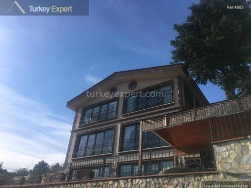 Bosphorus view Sariyer villa with swimming pool