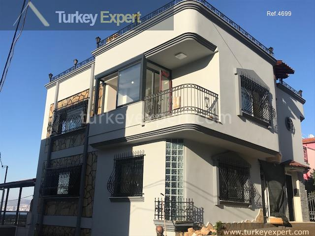 11spacious private villa in izmir12