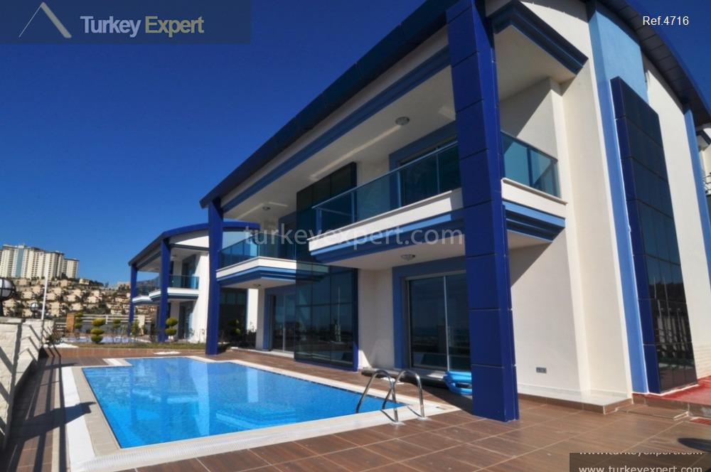 spacious villa with private pool1