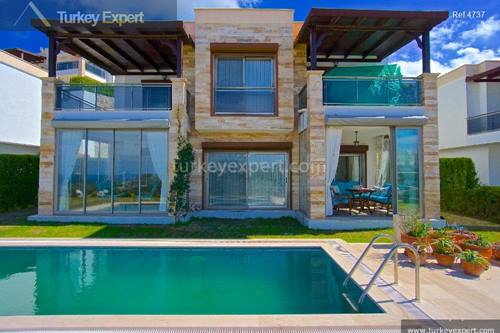 Detached sea view villa with private pool in Bodrum Gumusluk