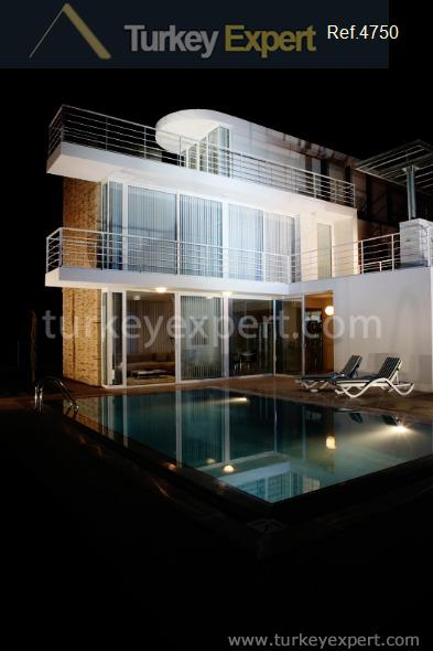 detached villas with private pools4