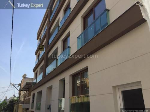New 3-bedroom apartment in Izmir, close to amenities