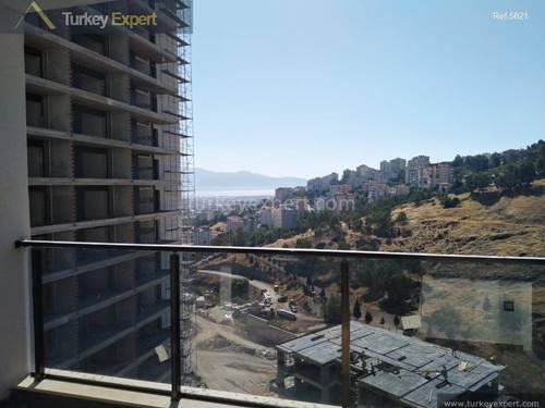 New apartments for sale in Izmir with sea or forest views, possible to pay in installments