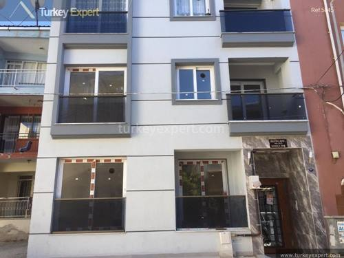 Spacious 3 bedroom apartment for sale in Izmir, ideal for families