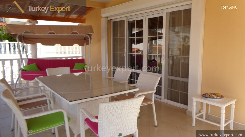detached villa for sale in10