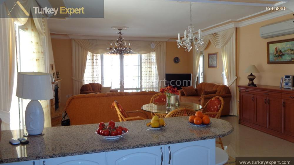 detached villa for sale in38