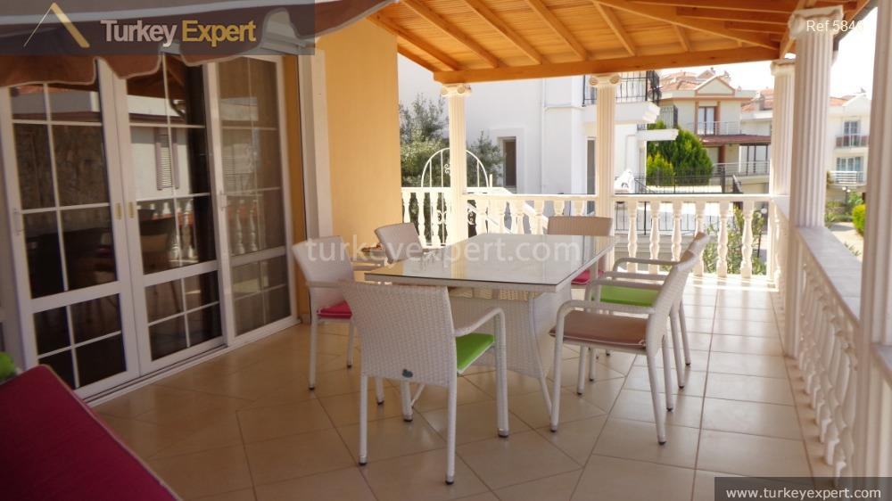 detached villa for sale in9