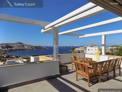 Beautiful, tastefully furnished villa with garden 200 m from beach in Bodrum Yalikavak