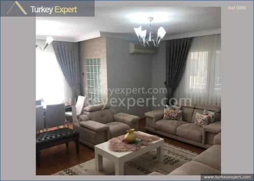 Karsiyaka apartment in Izmir in a residential neighborhood with amenities