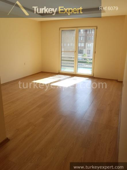 spacious waterfront apartment for sale14