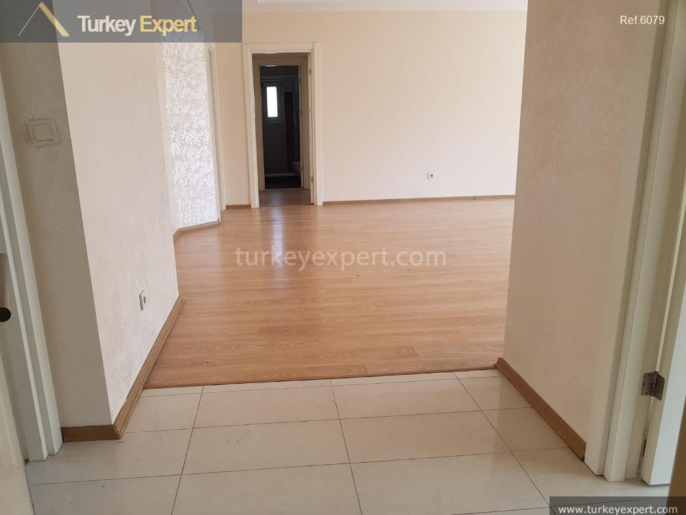 spacious waterfront apartment for sale4